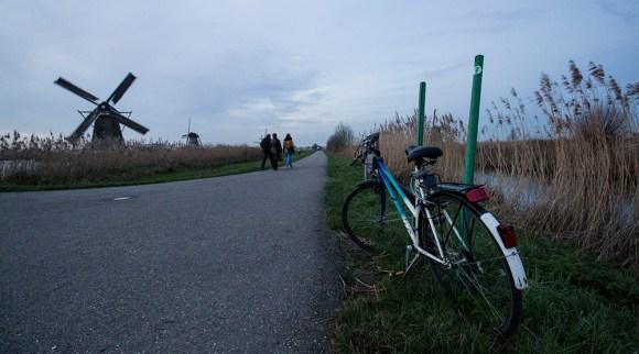 Sepeda di Belanda dan Kincir Angin