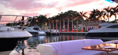 Charter a luxury yacht in Florida