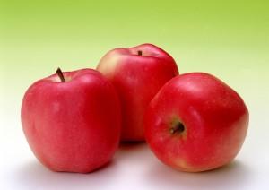 12 فائدة للتفاح