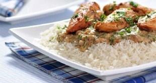 الطبق التايلندي: سمك حار بصلصة جوز الهند