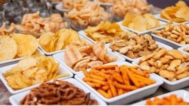Photo of الأطعمة التي يجب تجنبها للتمتع ببطن مسطح