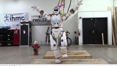 Photo of روبوت يهبط بطائرة ركاب عملاقة