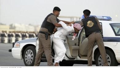 Photo of بالفيديو.. شرطة الرياض تكشف سر «كيس» أثار الرعب في إحدى المدارس