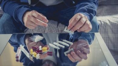 Photo of خطوات علاج الإدمان.. يمكن أن تكون سعيداً دون مواد مخدرة (فيديو)