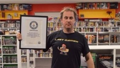 Photo of بالفيديو: هذا الرجل يملك أكبر مجموعة من ألعاب الفيديو في العالم