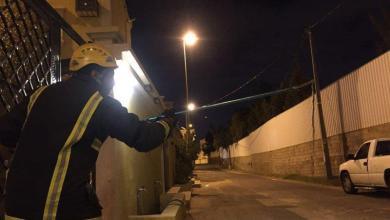 Photo of بالصور: ثعبان يحاصر أسرة داخل منزلهم بخميس مشيط.. والدفاع المدني ينقذهم