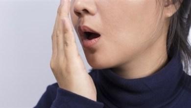 Photo of لماذا تشبه رائحة الفم الأسيتون أحياناً؟