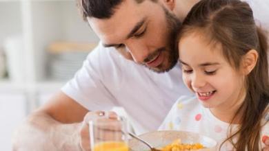 Photo of اجتماع الأسرة لتناول الطعام يورث الأطفال مهارات اجتماعية وصحة بدنية أعلى