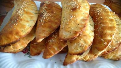 Photo of طريقة عمل الفطاير التركية بحشوة اللحم المفروم