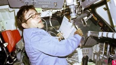 Photo of وفاة رائد الفضاء يونغ الذي قاد رحلة أول مكوك فضائي
