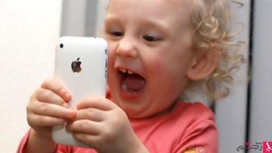 Photo of أبل متهمة بالتسبب في إدمان الأطفال هواتفها آي فون