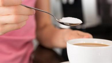 Photo of الجينة التي تسبب الإقبال على تناول السكريات تساعد أيضًا على خفض دهون الجسم