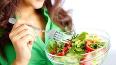 Photo of هل يساعد تكرار الطعام كل يوم على التخسيس؟