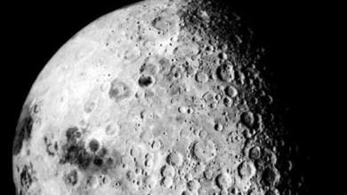 Photo of جليد على سطح القمر!