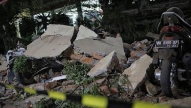 Photo of 555 قتيلاً حصيلة ضحايا زلزال جزيرة لومبوك