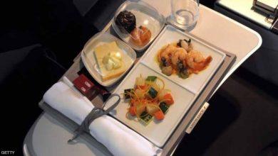 Photo of لماذا تختلف وجبات الطيارين عن المسافرين؟