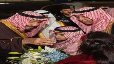 Photo of الملك وولي لي العهد يصلان الجوف