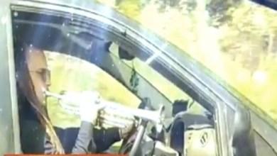 Photo of بالفيديو: يعزف على البوق أثناء القيادة بسرعة فائقة