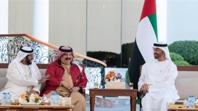 Photo of محمد بن زايد يبحث العلاقات الأخوية مع ملك البحرين