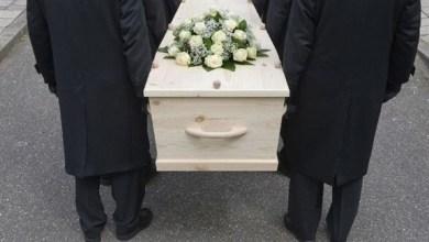 Photo of يصحطبها إلى جنازة في أول موعد بينهما