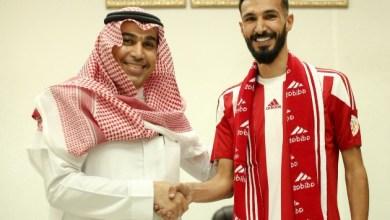 Photo of الوحدة يوقع رسمياً مع المدافع عبدالله الشمري