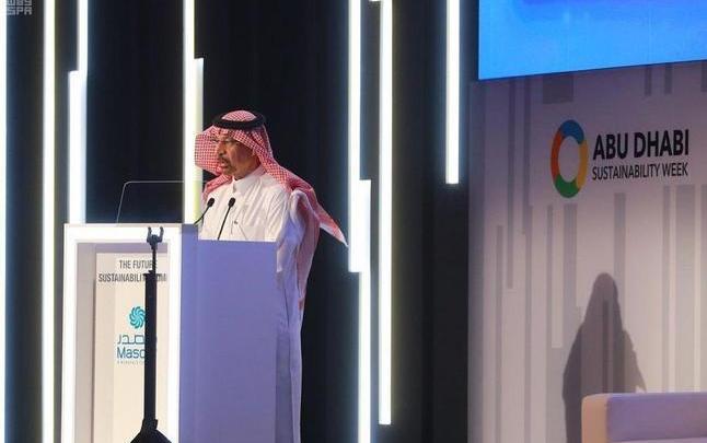 Photo of الفالح: سنولد الكهرباء بالطاقة الشمسية وطاقة الرياح بحلول 2030
