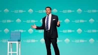 Photo of توني روبنز: قصة نجاح الإمارات تقوم على رؤية قيادية