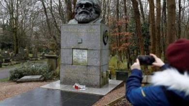 Photo of مجهولون يهاجمون مقبرة كارل ماركس بمطرقة