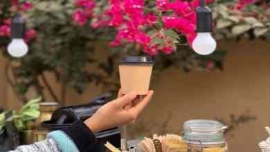 """Photo of قصة """"نورة السهيمي"""".. الفتاة الجامعية التي حولت حوش منزلها إلى مقهى صغير"""