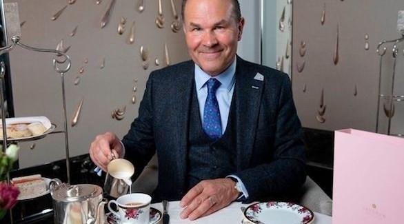 Photo of الطريقة في تحريك الشاي تجعل مذاقه أفضل