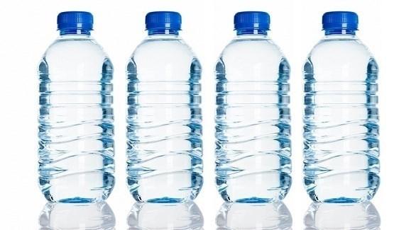 صور علب المياه البلاستيكية