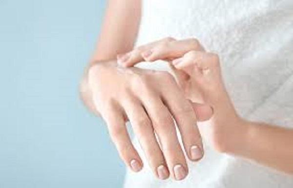Bleaching hands