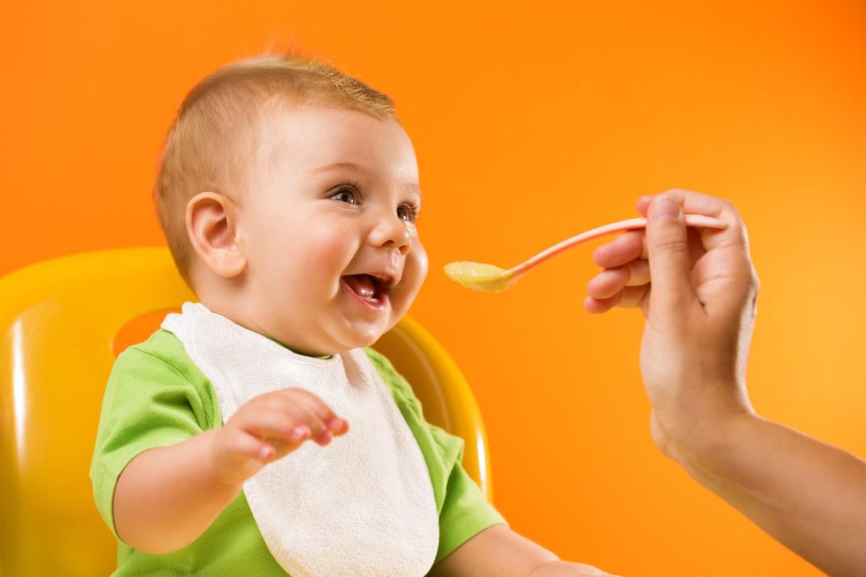وصفات طعام للأطفال بعمر 6 شهور نصائح لتغذية الطفل بعمر 6 شهور