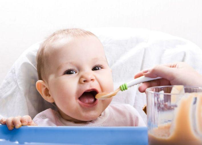طرق العناية بالطفل الرضيع