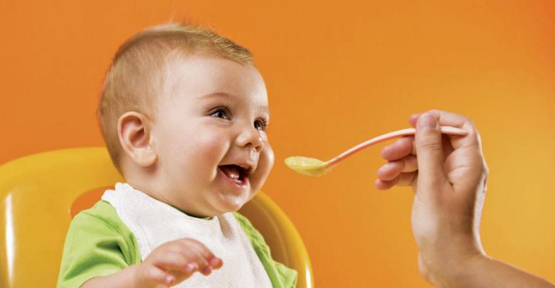 Photo of ماذا يأكل طفل الخمس شهور