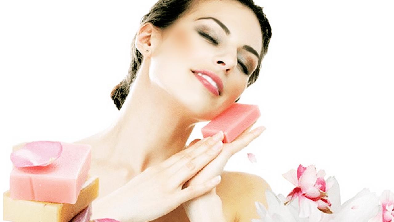 كيف أجعل رائحة جسمي جميلة في كل وقت