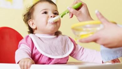 Photo of دليل تغذية الطفل منذ الولادة حتى عامين