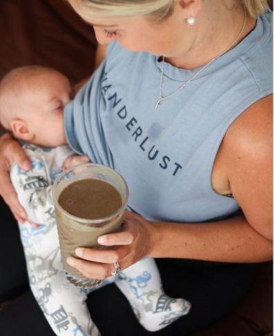 أهم 15 غذاء لزيادة حليب الثدي أثناء الرضاعة