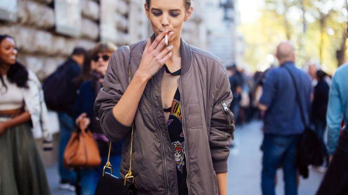 المرأة المدخنة
