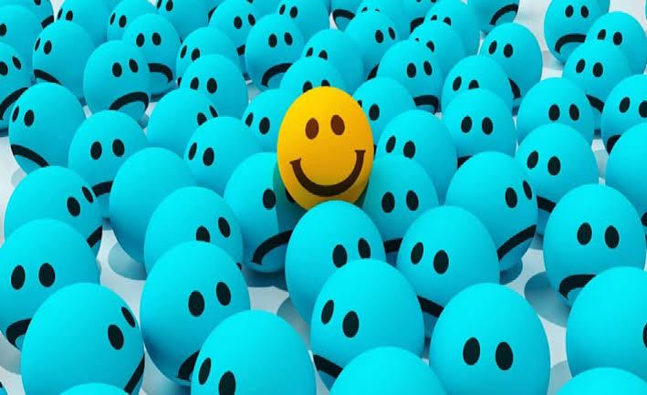 السعادة الحقيقة هي أن يكون الإنسان في حالة إيجابية