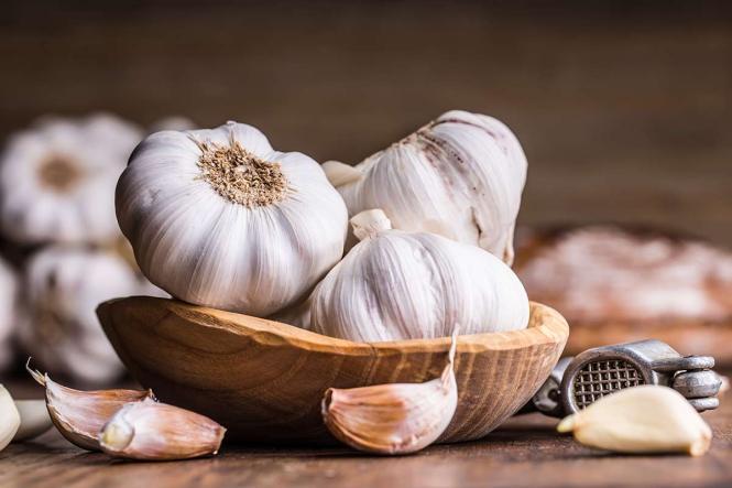 علاج التهاب الحنجرة و الحبال الصوتية بالاعشاب .