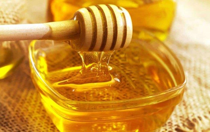 علاج خشونة الركبة بالعسل .