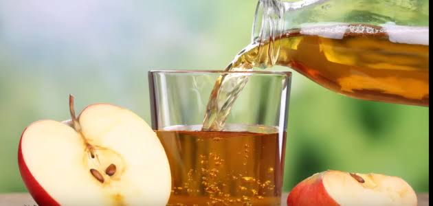Photo of فوائد تناول التفاح على الريق