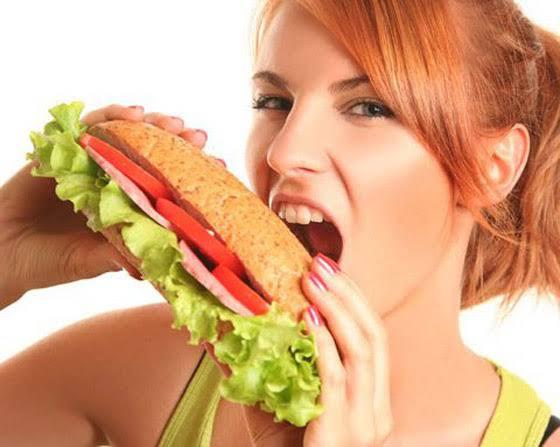 اضرار تناول الطعام بسرعة