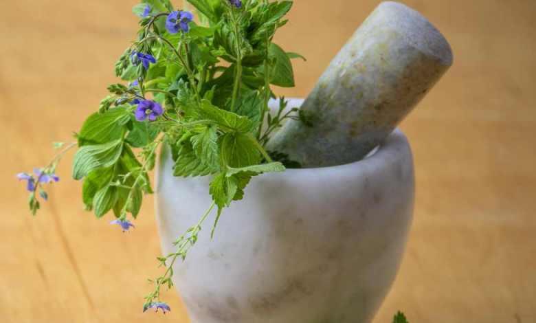 Photo of علاج الصداع بالأعشاب الطبيعية وتجنب أسباب الصداع
