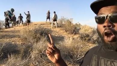 Photo of شاهد: بالصدفة البحتة.. صورة سيلفي تلتقط مأساة في الخلفية