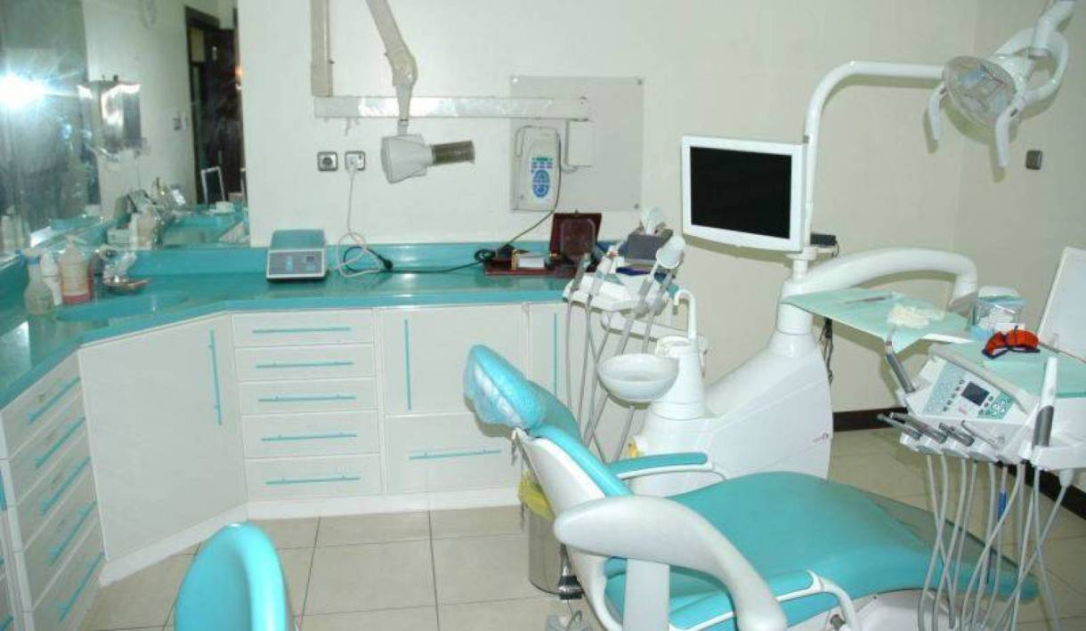أفضل 9 أطباء أسنان بالمدينة المنورة
