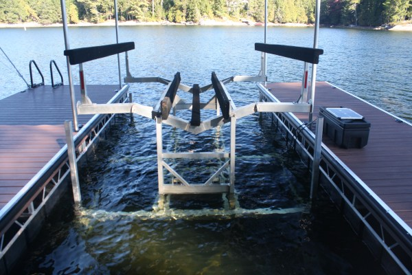 Hydraulic Boat Lifts | Battery Powered Boat Lifts – R & J ...