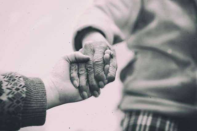 התעמרה בקשיש