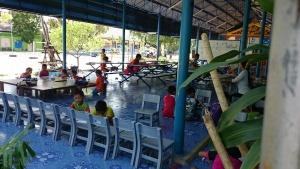 Besuch beim Buddha: Ein Kindergarten im Tempel